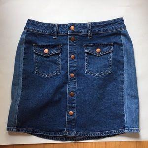 Madewell denim skirt side panel size 29